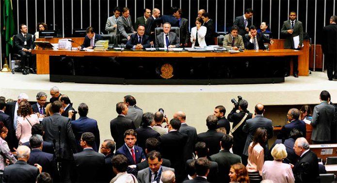 Congresso aprova remanejamento de R$ 3 bilhões do Orçamento